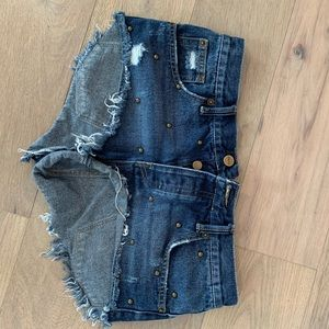 Amuse society denim shorts 26